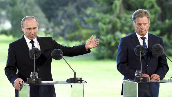 Ruský prezident Vladimir Putin a finský prezident Sauli Niinistö - Sputnik Česká republika