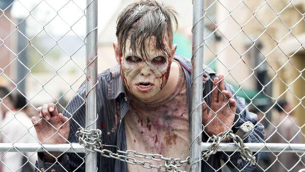 Muž v kostýmu zombie - Sputnik Česká republika