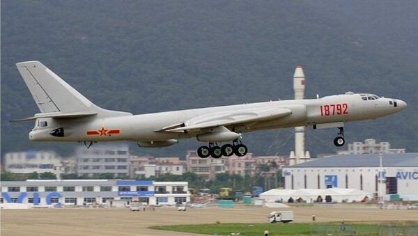 Čínská stíhačka H-6 - Sputnik Česká republika