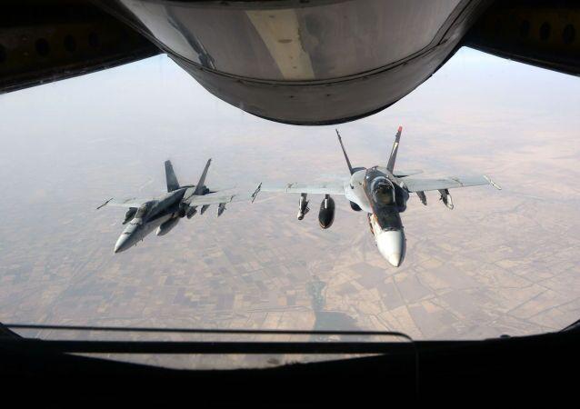 Americké stíhačky F-18 Super Hornet v Iráku
