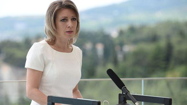Oficiální mluvčí ruského ministerstva zahraničních věcí Maria Zacharovová v Artěku - Sputnik Česká republika