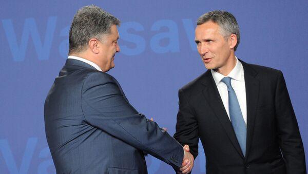 Petro Porošenko a Jens Stoltenberg - Sputnik Česká republika
