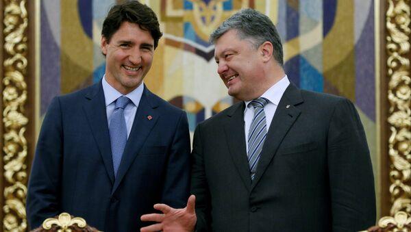 Kanadský premiér Justin Trudeau a ukrajinský prezident Petro Porošenko - Sputnik Česká republika