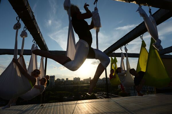 Fitness na střeše - Sputnik Česká republika