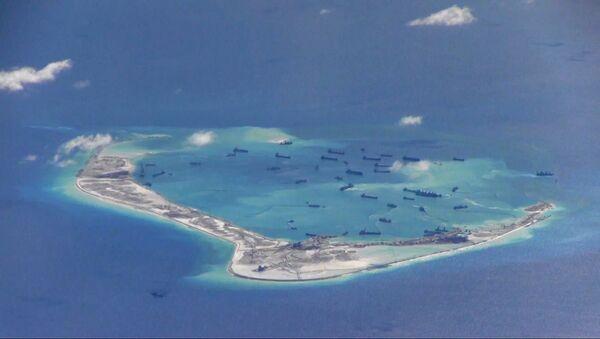 Čína prohrála s Filipínami arbitráž o sporné ostrovy. - Sputnik Česká republika
