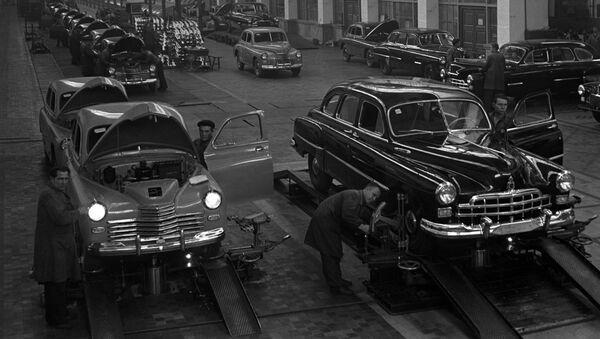 Legendy sovětského automobilového průmyslu - Sputnik Česká republika