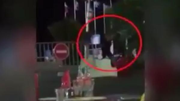 Na internetu se objevilo video likvidace teroristy v Nice - Sputnik Česká republika