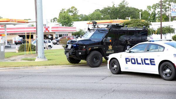 Situace ve městě Baton Rouge, Louisiana - Sputnik Česká republika