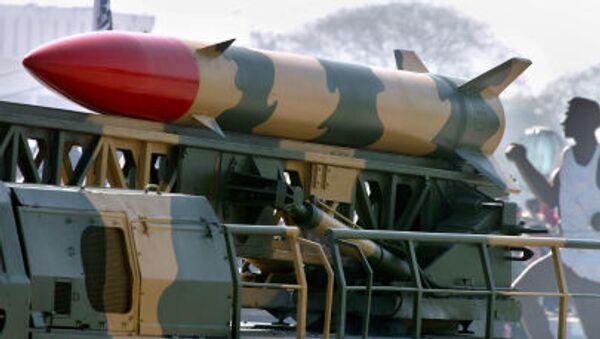 Pákistánská raketa nesoucí jadernou bojovou hlavici - Sputnik Česká republika