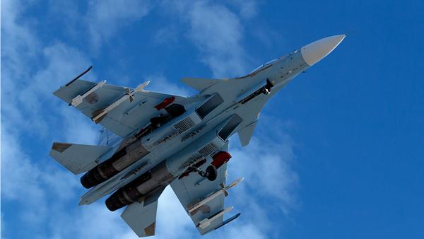 Ruská stíhačka Su-35 v Sýrii - Sputnik Česká republika