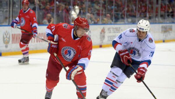 10. května 2014 se zúčastnil Vladimir Putin gala utkání hokejistů-obdivovatelů a hvězd ruského hokeje v Soči. - Sputnik Česká republika