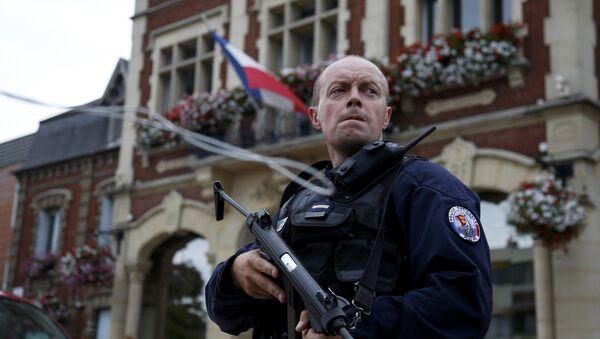 Francouzský policista v Saint-Etienne-du-Rouvray - Sputnik Česká republika