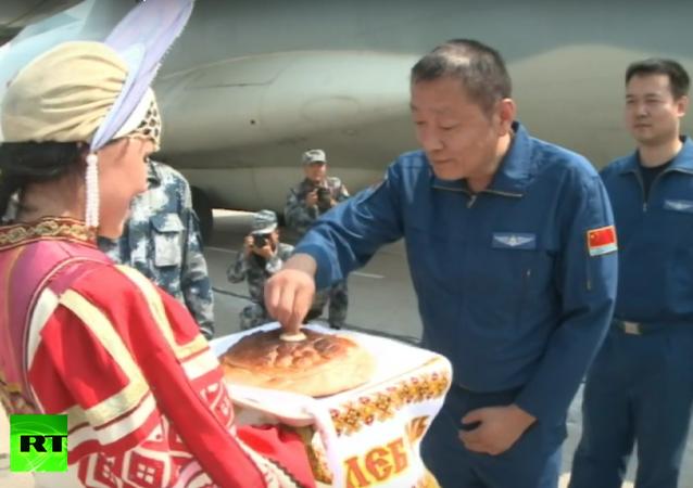 Vítejte v Rusku: Čínská vojenská letadla přiletí na Aerial Darts 2016