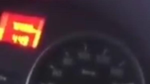 Řidič natočil, jak se jeho automobil převrací v rychlosti 170 kм/h - Sputnik Česká republika