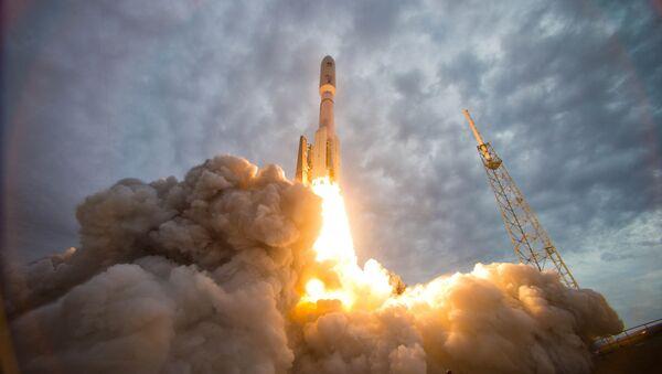 Armádní činitelé USA nedokázali vynést na propočítanou oběžnou dráhu spojovací družici - Sputnik Česká republika