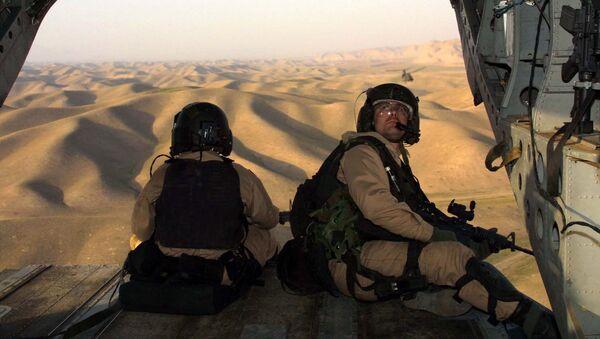 Američtí vojáci letí do Afghánistánu z Tádžikistánu - Sputnik Česká republika