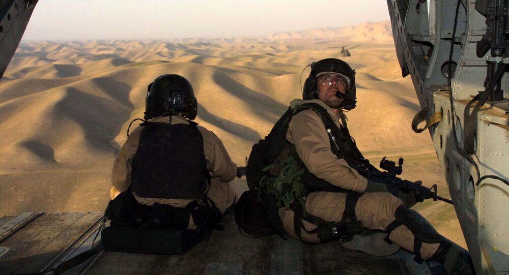 Američtí vojáci letí do Afghánistánu z Tádžikistánu