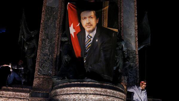 Portrét Recepa Tayyipa Erdogana v Istanbulu - Sputnik Česká republika