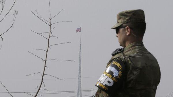 Американский солдат на границе Южной и Северной Кореи - Sputnik Česká republika