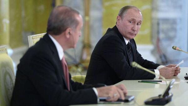 Turecký prezident Recep Tayyip Erdoğan a ruský prezident Vladimir Putin - Sputnik Česká republika