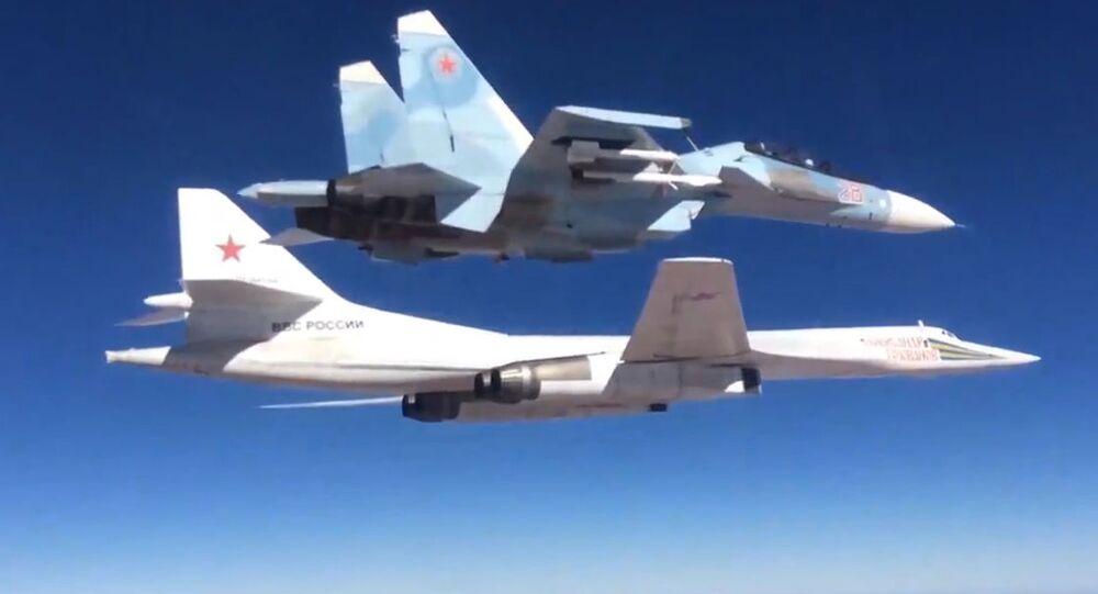 Su-30SM s Tu-160