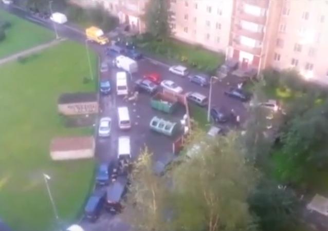 Bylo publikováno video z místa speciální operace na zadržení ozbrojenců v Petrohradě