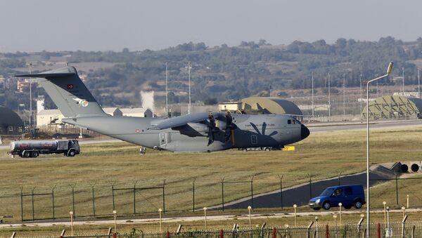 A400M na základně Incirlik - Sputnik Česká republika