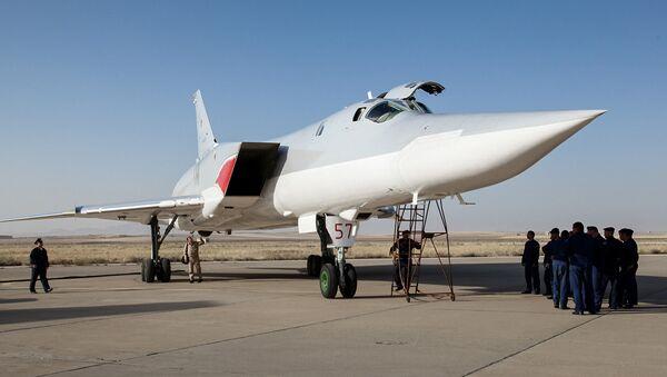 Ruský bombardér Tu-22M3 v Hamadánu - Sputnik Česká republika
