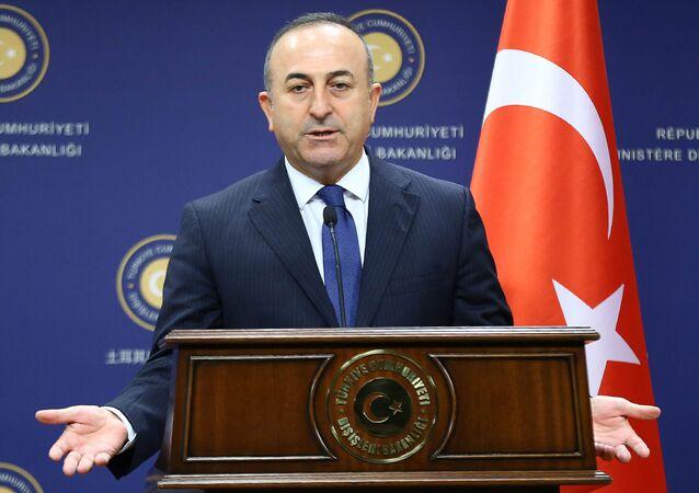 Turecký ministr zahraničí Mevlüt Çavuşoğlu