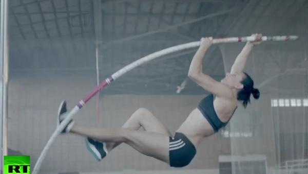 Poslední skok Jeleny Isinbajevové. VIDEO - Sputnik Česká republika
