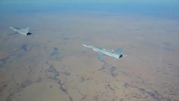 Ruské bombardéry Tu-22 v nebi nad Sýrií. Ilustrační foto - Sputnik Česká republika