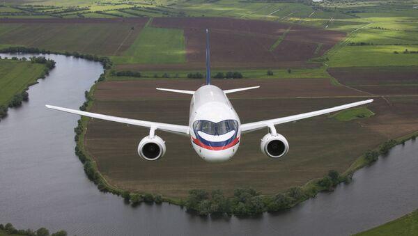 Suchoj Superjet 100 je nejnovější ruské dopravní letadlo pro krátké trasy. - Sputnik Česká republika