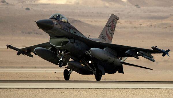 Izraelská stíhačka F-16 - Sputnik Česká republika