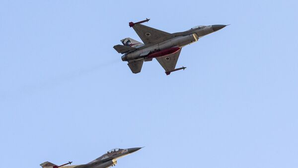 Izraelské stíhačky F-16 - Sputnik Česká republika