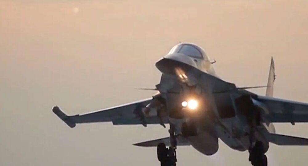 Letecké útoky bombardérů Su-34 ze základny Hamadán