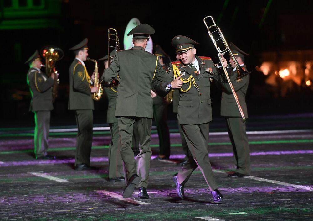 Hudebníci běloruského vojenského orchestru