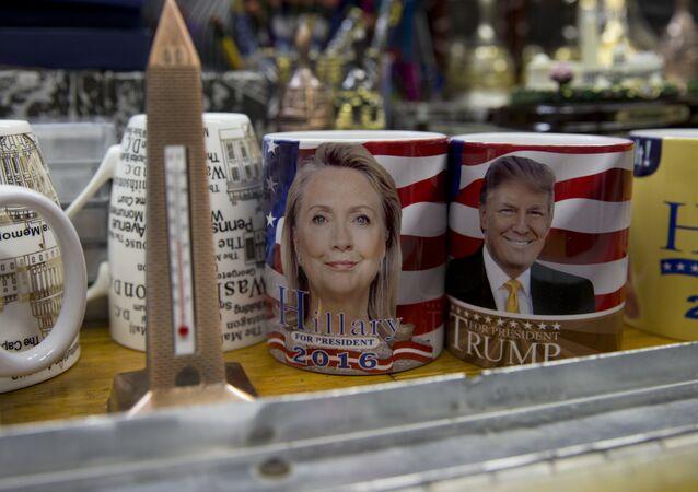 Portréty Hillary Clintonové a Donalda Trumpa