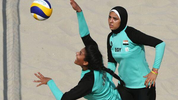 Egyptská reprezentace v ženském plážovém volejbalu během Olympiády v Riu - Sputnik Česká republika