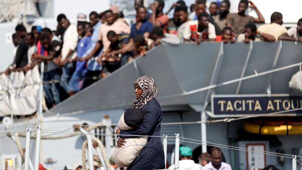 Migranti v jižní Itálii - Sputnik Česká republika