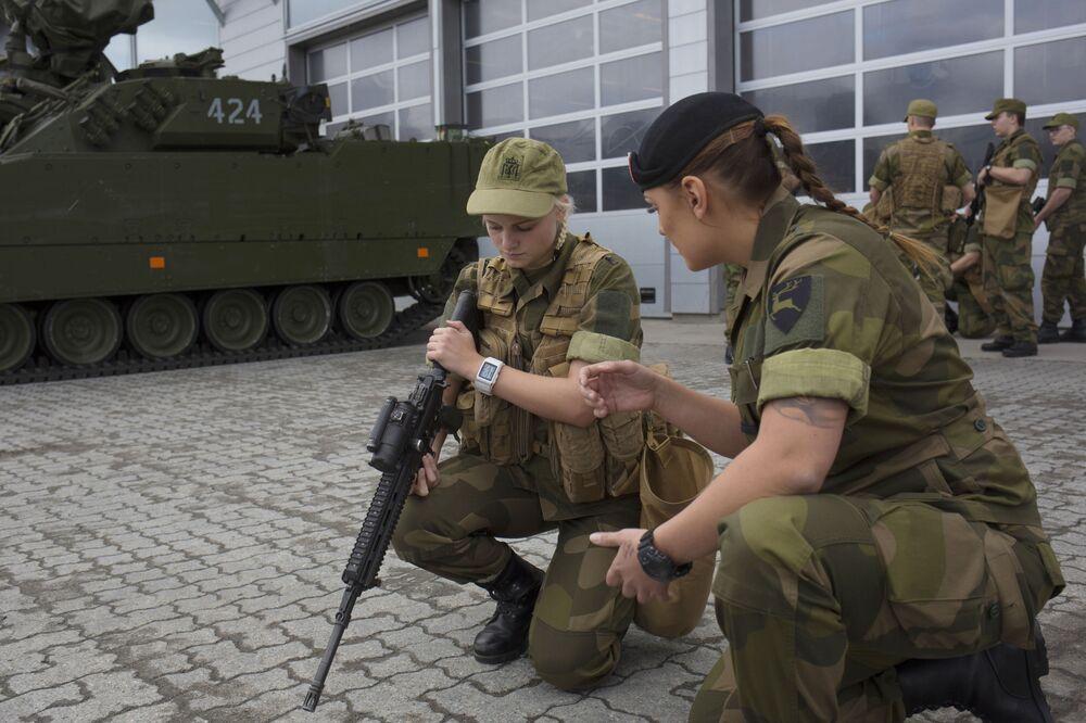 Norsko je první evropskou zemí, která zavedla povinnou vojenskou službu pro ženy