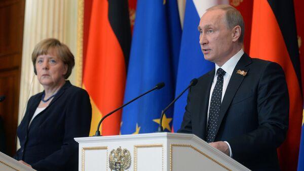 Angela Merkelová a Vladimír Putin - Sputnik Česká republika