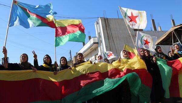 Kurdská vlajka - Sputnik Česká republika