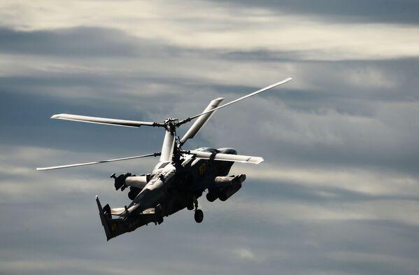 Bitevní vrtulník Ka-52 Alligator na Mezinárodním vojensko-technickém fóru Armáda 2016 - Sputnik Česká republika