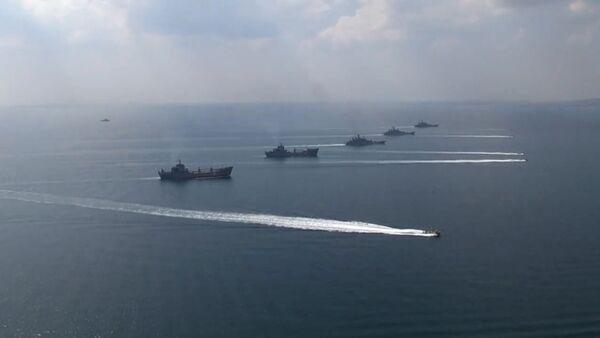 Lodě Černomořské a Kaspické flotily během cvičení Kavkaz 2016 - Sputnik Česká republika