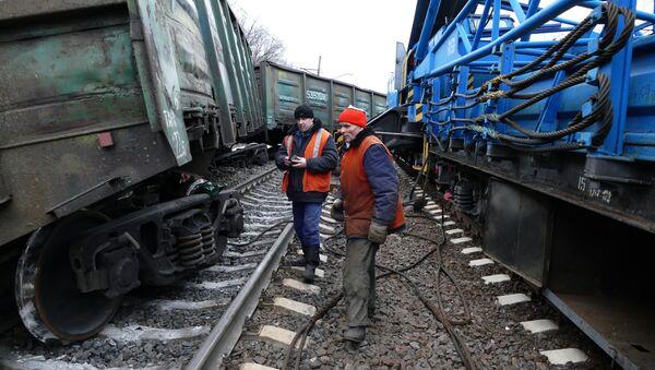 Exploze železnice v Jasinovaté - Sputnik Česká republika