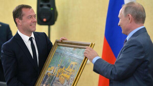 Dmitrij Medveděv a Vladimir Putin - Sputnik Česká republika