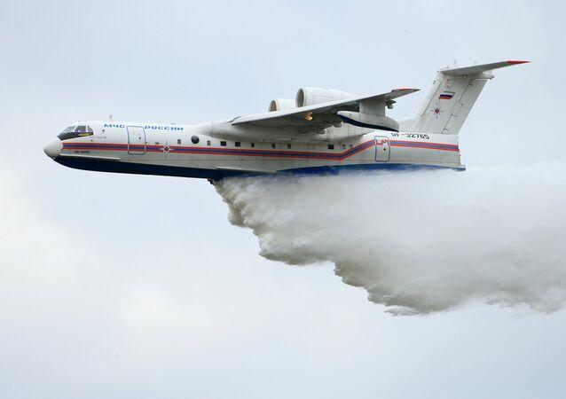Obojživelný letoun Be-200