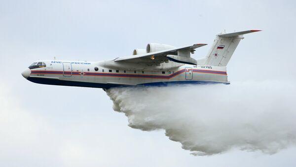 Obojživelný letoun Be-200 - Sputnik Česká republika