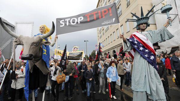 Protesty proti TTIP a CETA v Berlíně - Sputnik Česká republika