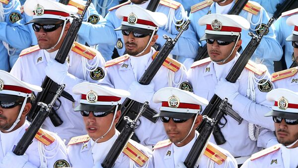 Íránští vojáci na přehlídce - Sputnik Česká republika